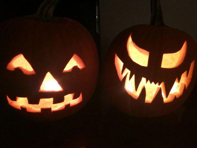 Pumpkins-in-the-Dark